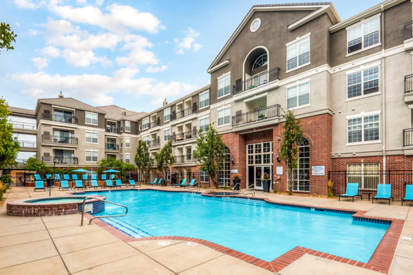 pool at Viridian Apartments