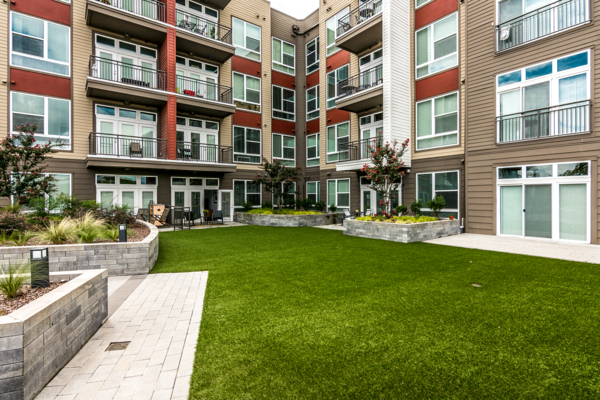 courtyard at The Guthrie North Gulch Apartments