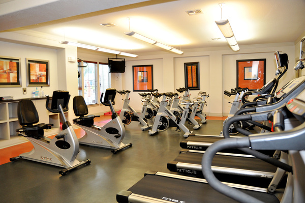 fitness center at Avanti Cityside Apartments