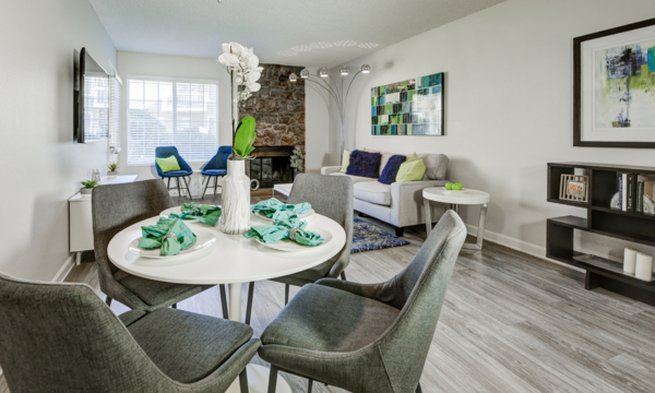 dining area at The Hamptons Apartments