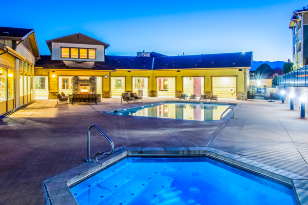 pool/hot tub/Jacuzzi at Rockrimmon Apartments