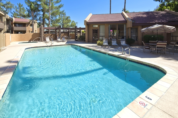 pool at Hidden Cove Apartments