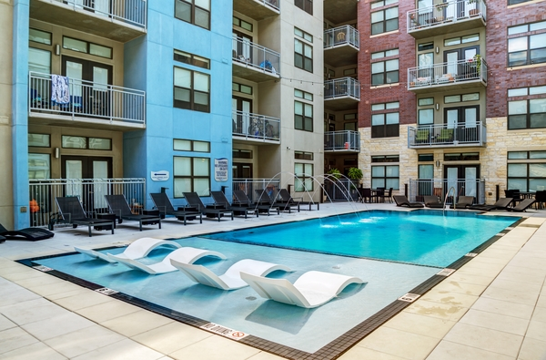 pool at Coldwater Luxury Apartments