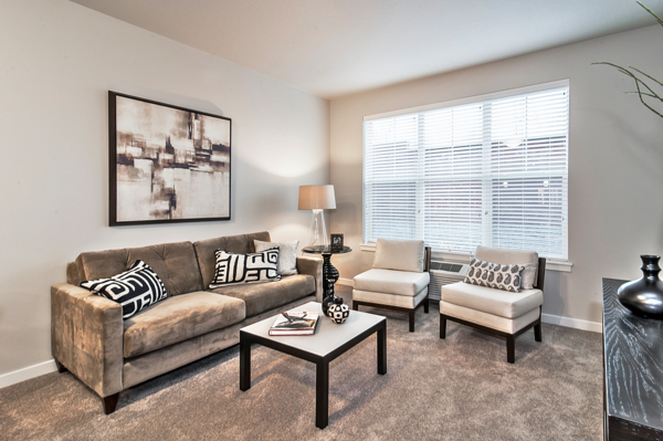 living room at Springville Oaks Apartments