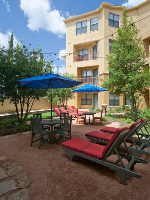 recreational area at Siena at Memorial Heights Apartments