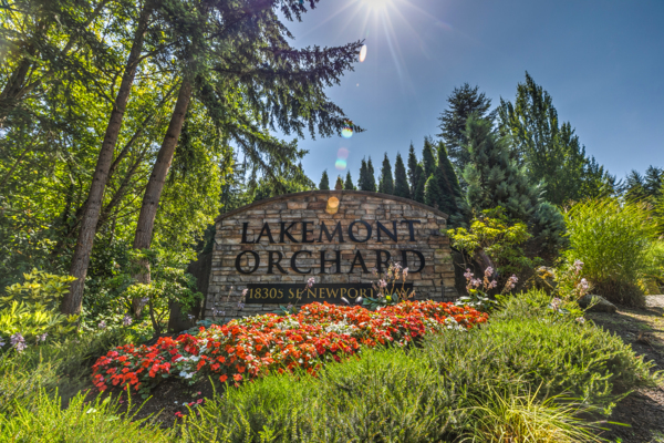signage at Lakemont Orchard Apartment Rentals