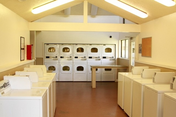 laundry facility at La Vista Apartments