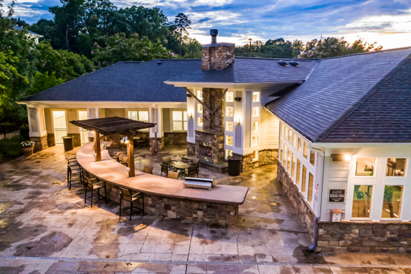 grill area/fire pit at Avana Lake Norman Apartments