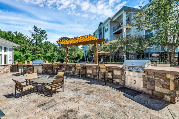 grill area at Avana Lake Norman Apartments