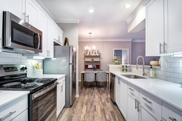 kitchen at Avana Cheshire Bridge Apartments
