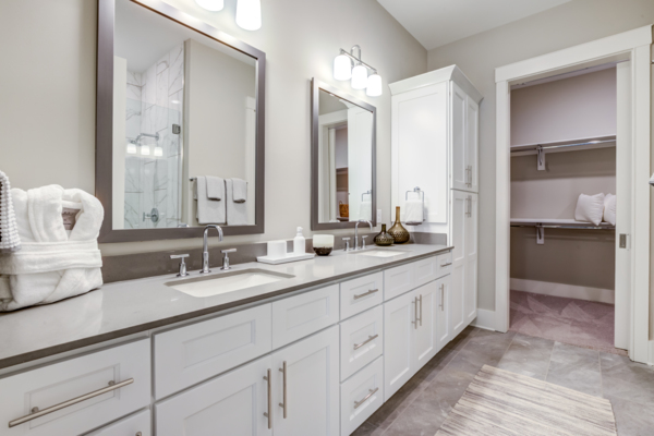 bathroom at Draper Place Signature Apartment Homes