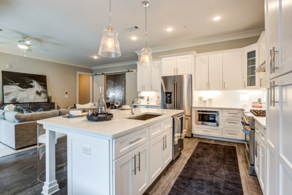 kitchen at Draper Place Signature Apartment Homes