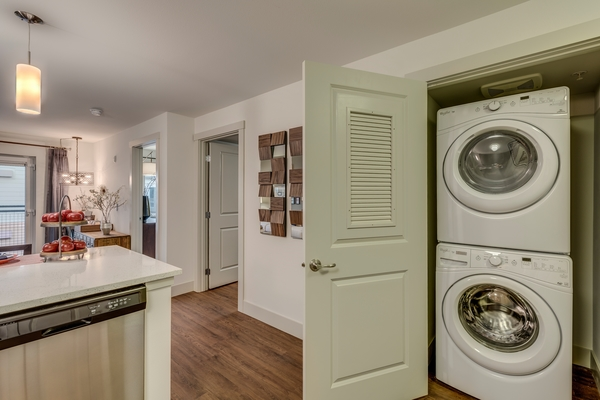 laundry room at Main Street Bellevue Apartments