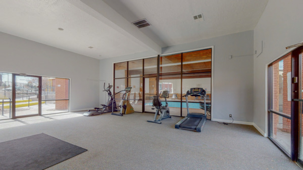 fitness center at Arioso Apartments