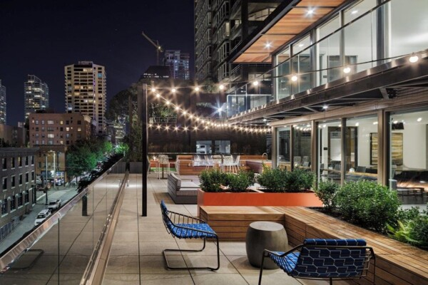 rooftop deck at Elara at the Market Apartments