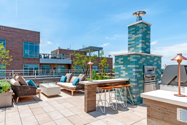 rooftop deck at Gallery Bethesda II Apartments