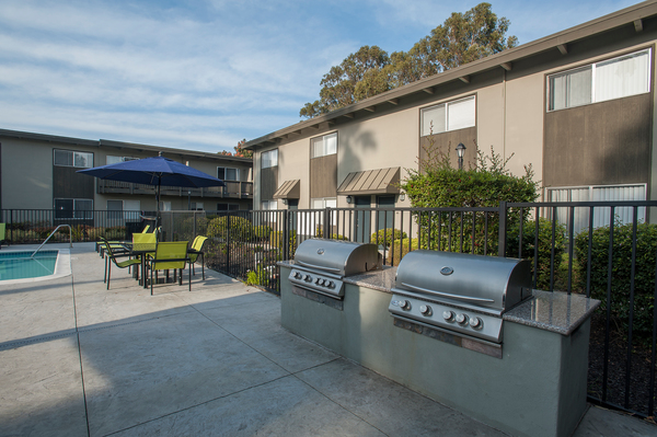 grill area at Monterey Townhouse