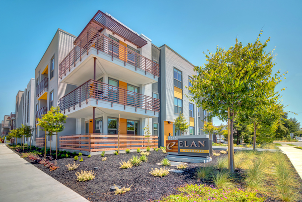 exterior at Elan Menlo Park Apartments