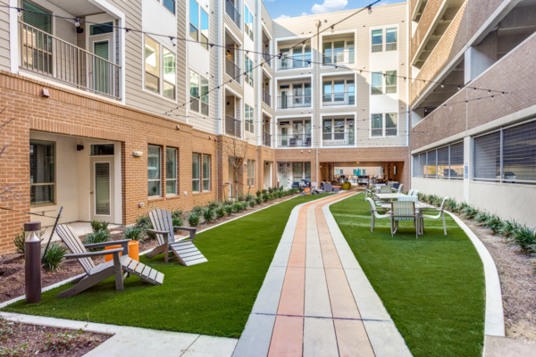 courtyard at Quest Apartments