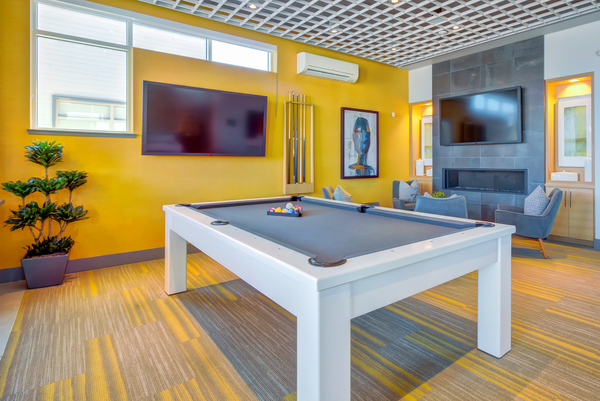 game room at Elan Menlo Park Apartments