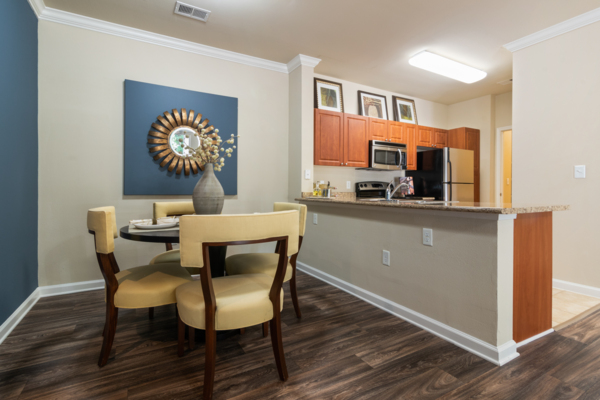 dining area at Centerview at Crossroads Apartments