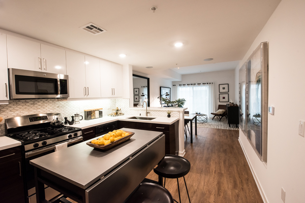 kitchen at ONYX Glendale Apartments
