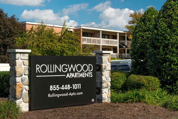 exterior at Rollingwood Apartments