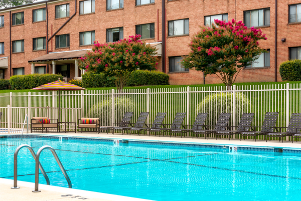 pool at Rollingwood Apartments