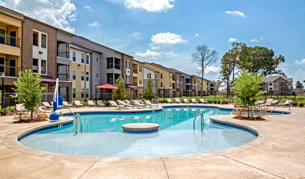 Pool at Watervue Apartments