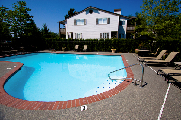 pool at Walden Pond Apartments