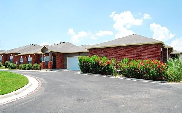exterior at Braunfels Place Apartments