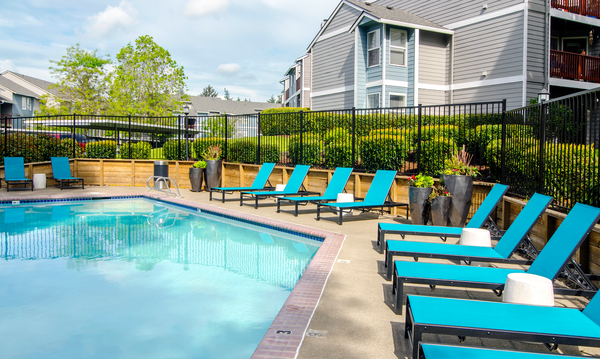pool at Heatherbrae Commons Apartments