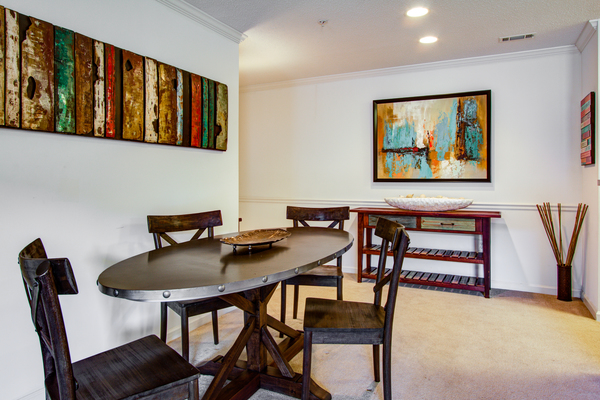 dining room at The Promenade at Boiling Springs Apartments