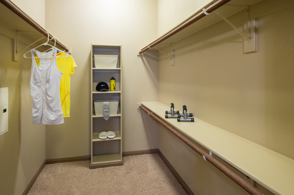 closet at Montage at Cinco Ranch Apartments