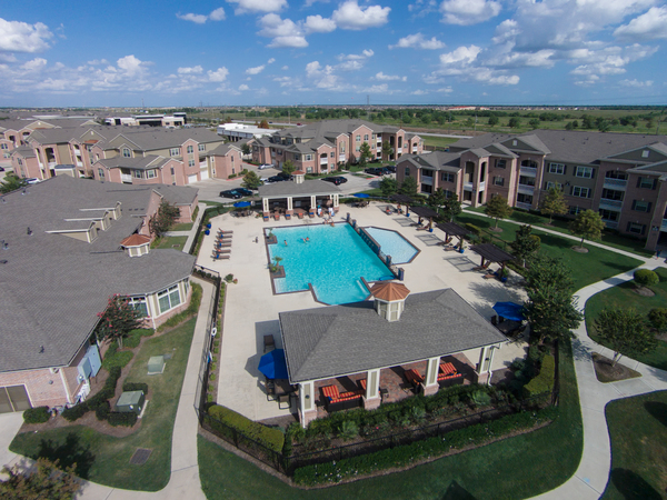 pool at Montage at Cinco Ranch Apartments