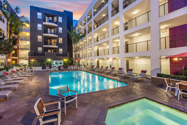 pool at Avana on Wilshire Apartments