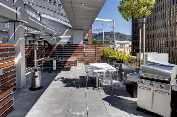 patio at Berkeley Central Apartments