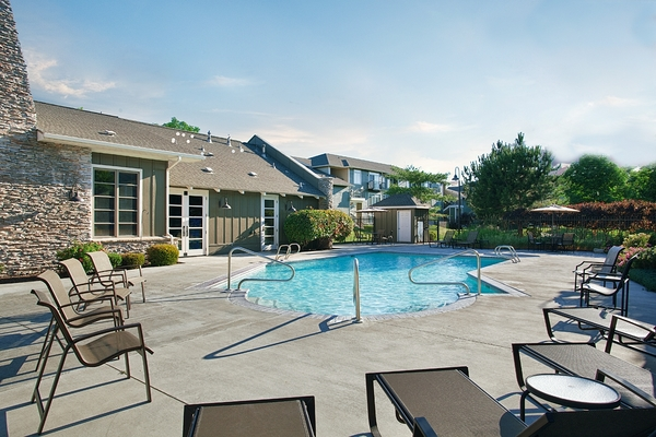 pool at Lodge at Maple Grove Apartments