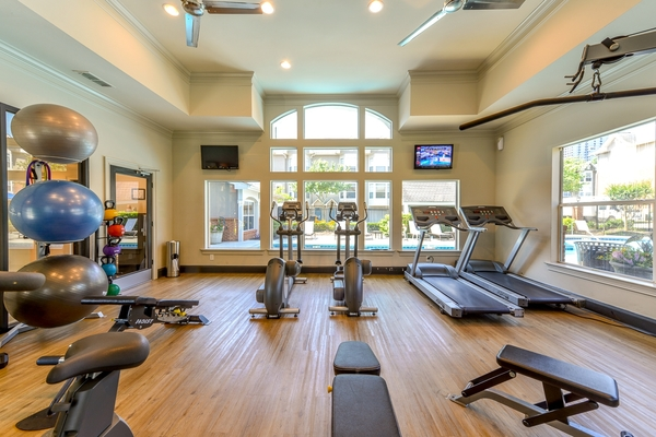 fitness center at Townhouse Atlanta
