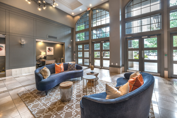 clubhouse at SKYE of Turtle Creek Apartments