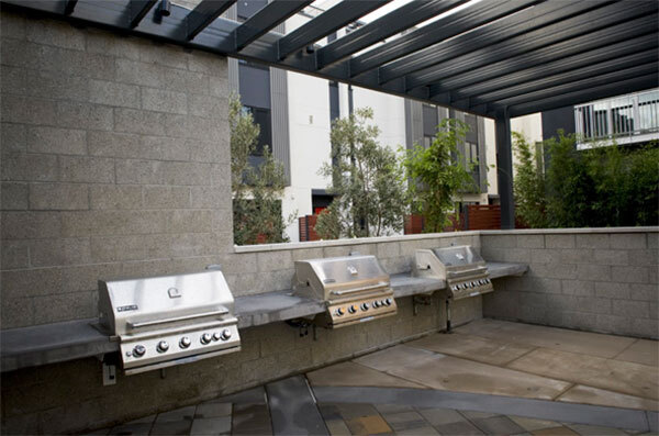 grill area at Santana Heights Apartments