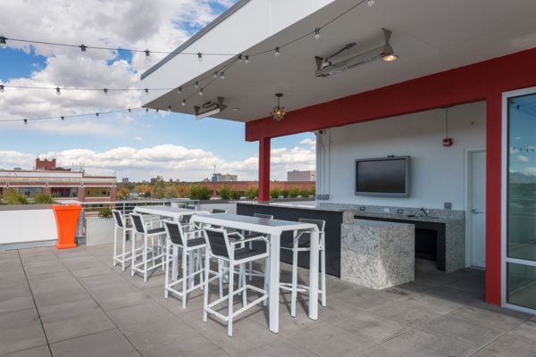 rooftop deck at 1000 S. Broadway Apartments