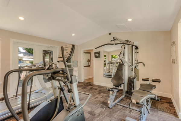 fitness room at Rainier Meadows Apartments