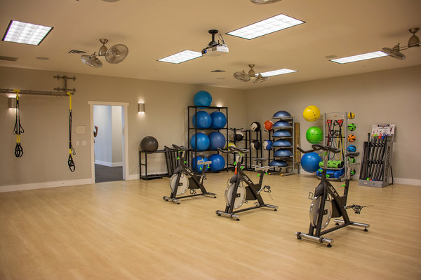 fitness center at Rockledge at Quarry Bend Apartments