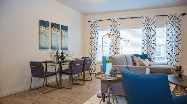 dining room at Rockledge at Quarry Bend Apartments