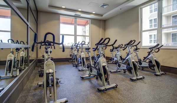 fitness room at One Plantation Apartments