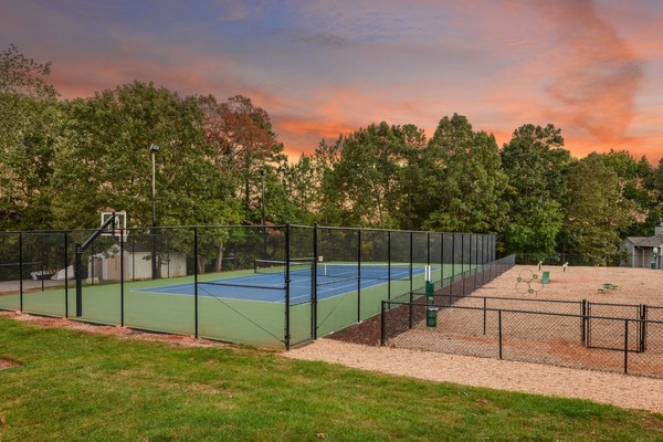 tennis court at Summit Avent Ferry Apartments