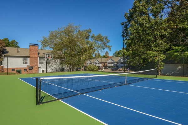 tennis court Summit Avent Ferry Apartments