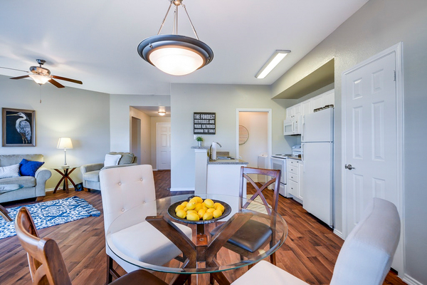 dining room at Regal Parc Apartments