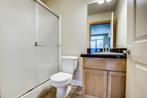 bathroom at The Queen Anne Collection - Eden Hill